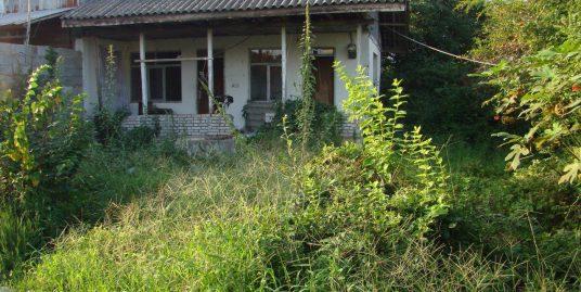 خانه کلنگی  واقع در کوچه دریا زیباکنار