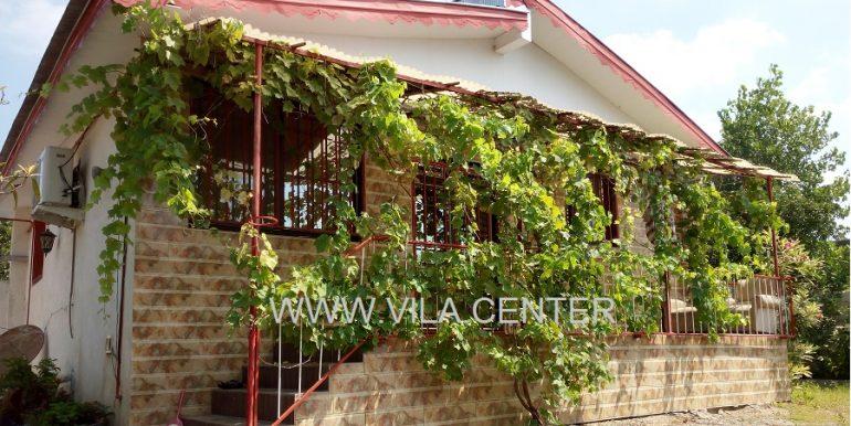 ویلا باغ زیباکنار خشکبیجار