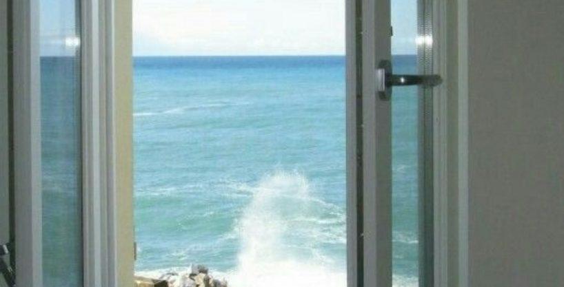اپارتمان ساحلی در انزلی ۱۵۰متری دید کامل دریا ۶۲۹میلیون